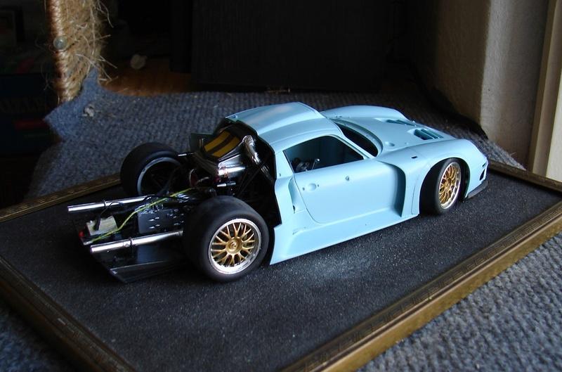 Porsche 911 GT1 Le Mans 1996 (Tamiya) Dsc00345