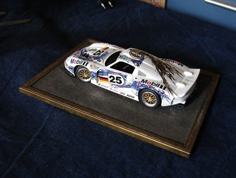 Porsche 911 GT1 Le Mans 1996 (Tamiya) Dsc00558