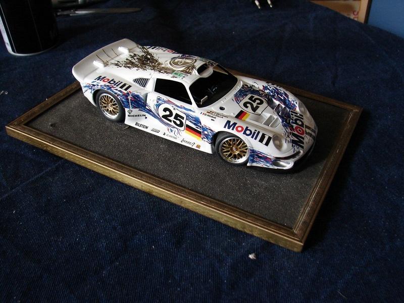 Porsche 911 GT1 Le Mans 1996 (Tamiya) Dsc00559