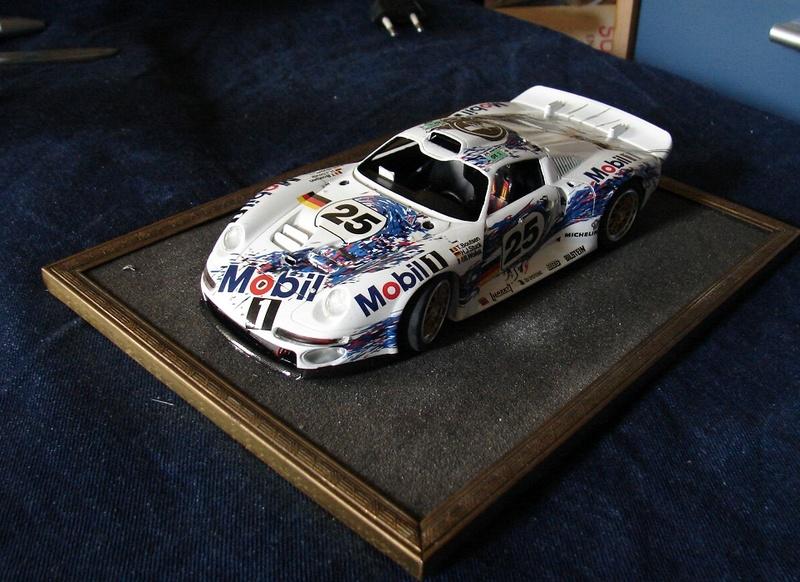 Porsche 911 GT1 Le Mans 1996 (Tamiya) Dsc00560