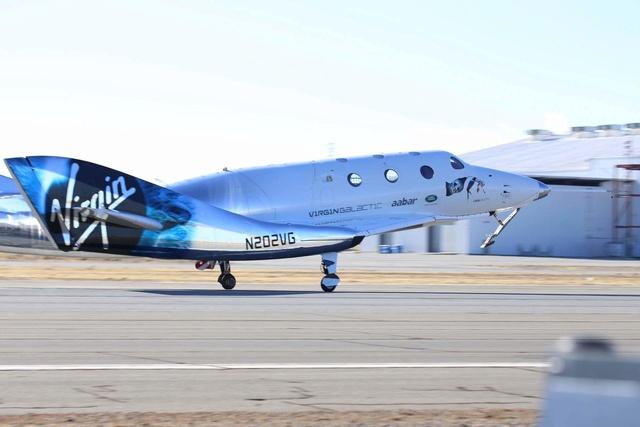 [SpaceShipTwo] Roll-out du prototype n°2 annoncé pour le 19 février prochain et préparatifs au 1er vol 15591410