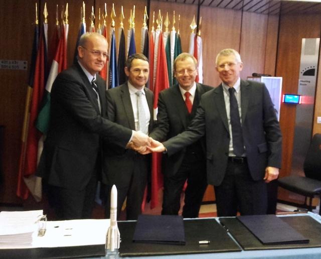 Ariane 6 - Signature de la confirmation du programme entre ASL et l'ESA à Paris - 9 novembre 2016 20161112