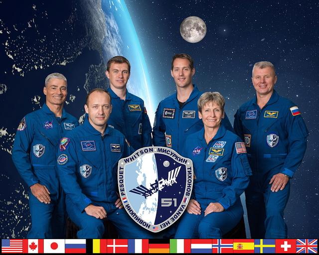 ISS - des changements dans les équipages d'Expedition 51 à 54 Iss-5110