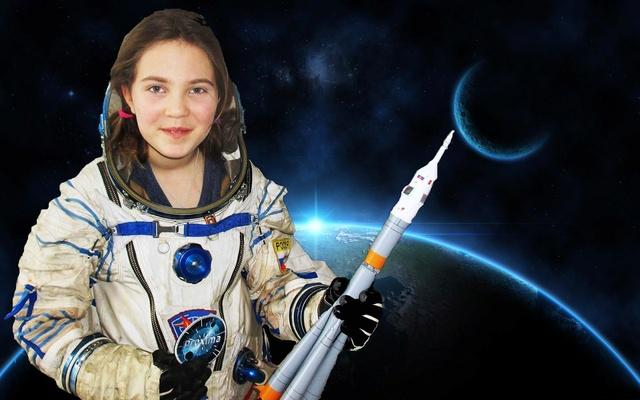 Mission Proxima - Encouragements à Thomas Pequet / #AllezThomas #Proxima - Page 3 Moon-e10