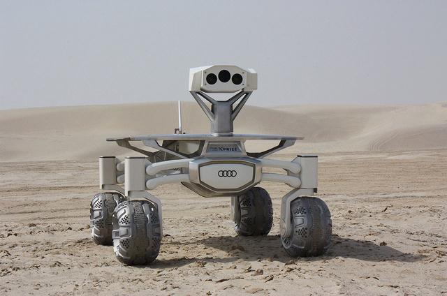 NAIAS 2016 - Salon Automobile de Détroit / Audi Lunar rover et Gene Cernan / Google Lunar XPrize Pts_210
