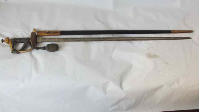 Epée d'officier de garde du corps  Img_6426