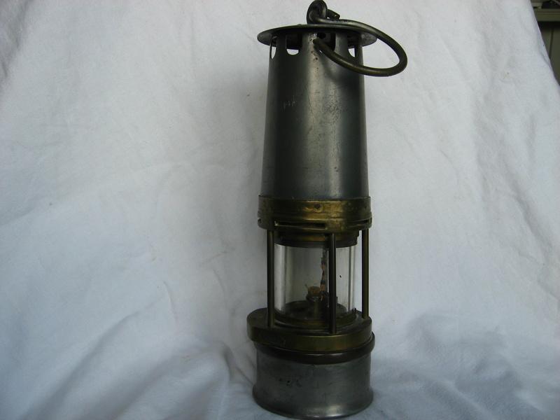 lampes de mineurs,  divers objets de mine, outils de mineur et documents  - Page 5 Img_9811