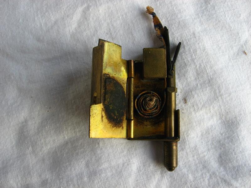 lampes de mineurs,  divers objets de mine, outils de mineur et documents  - Page 5 Img_9815