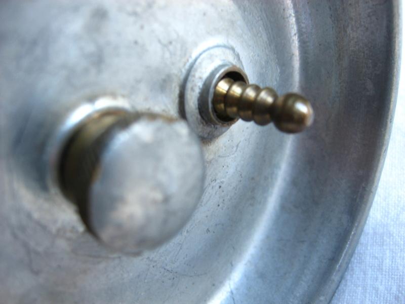 lampes de mineurs,  divers objets de mine, outils de mineur et documents  - Page 5 Img_9816