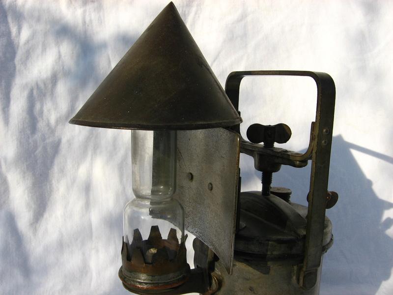lampes de mineurs,  divers objets de mine, outils de mineur et documents  - Page 5 Img_9830
