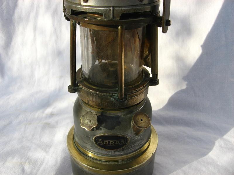 lampes de mineurs,  divers objets de mine, outils de mineur et documents  - Page 5 Img_9833