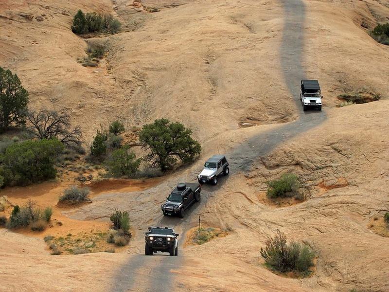 Le Hummer H3 est taillé pour l'aventure ! 16507810