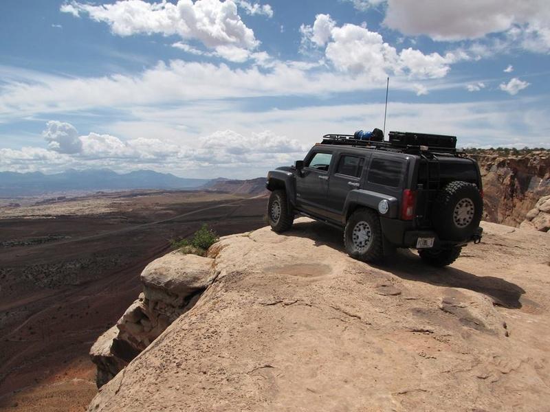 Le Hummer H3 est taillé pour l'aventure ! 16640610