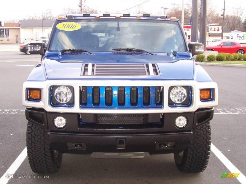 Connaissiez vous le Hummer H2 2006 Pacific Blue SUV ? vue par le Club Hummerbox cette édition très limitée 70431811