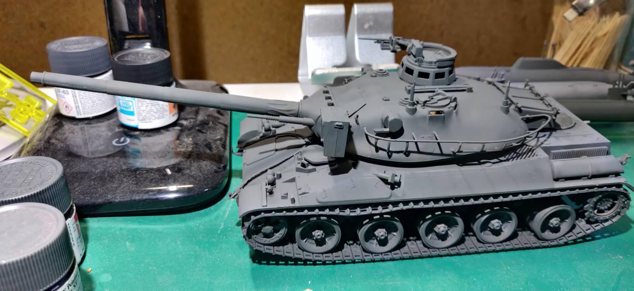 [Montage] AMX-30/105 Heller 1/35 Amx30_12