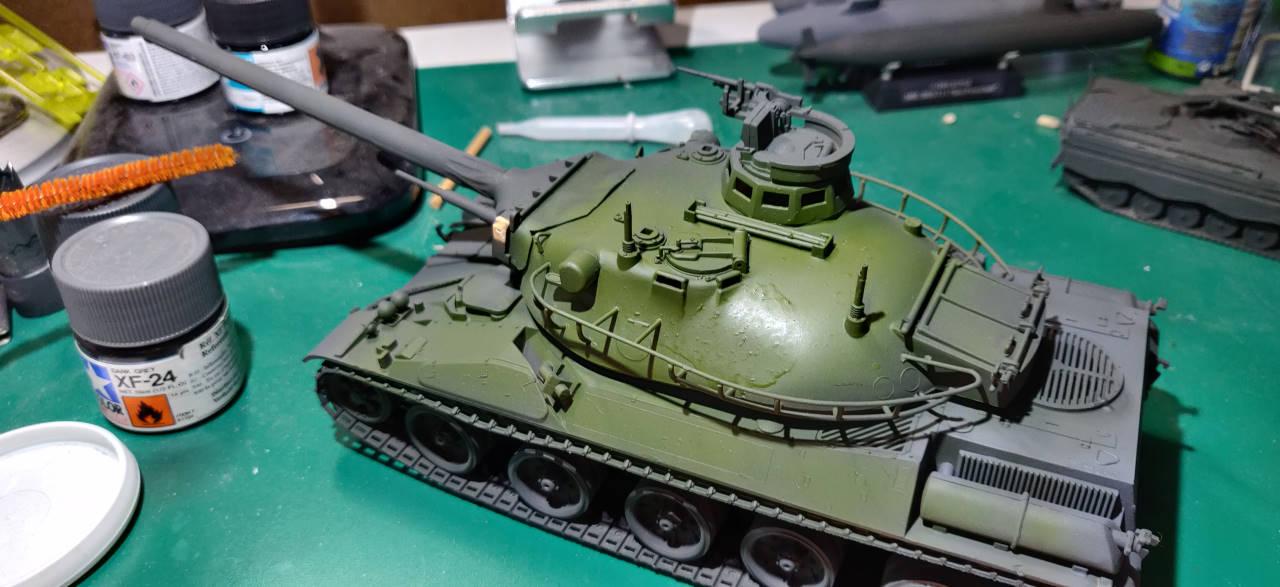 [Montage] AMX-30/105 Heller 1/35 Amx30_16
