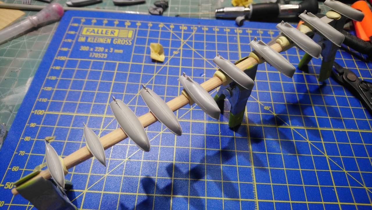 DUNKERQUE [1939] 1/350 HobbyBoss + pont en bois artwox - Page 9 Dunker21