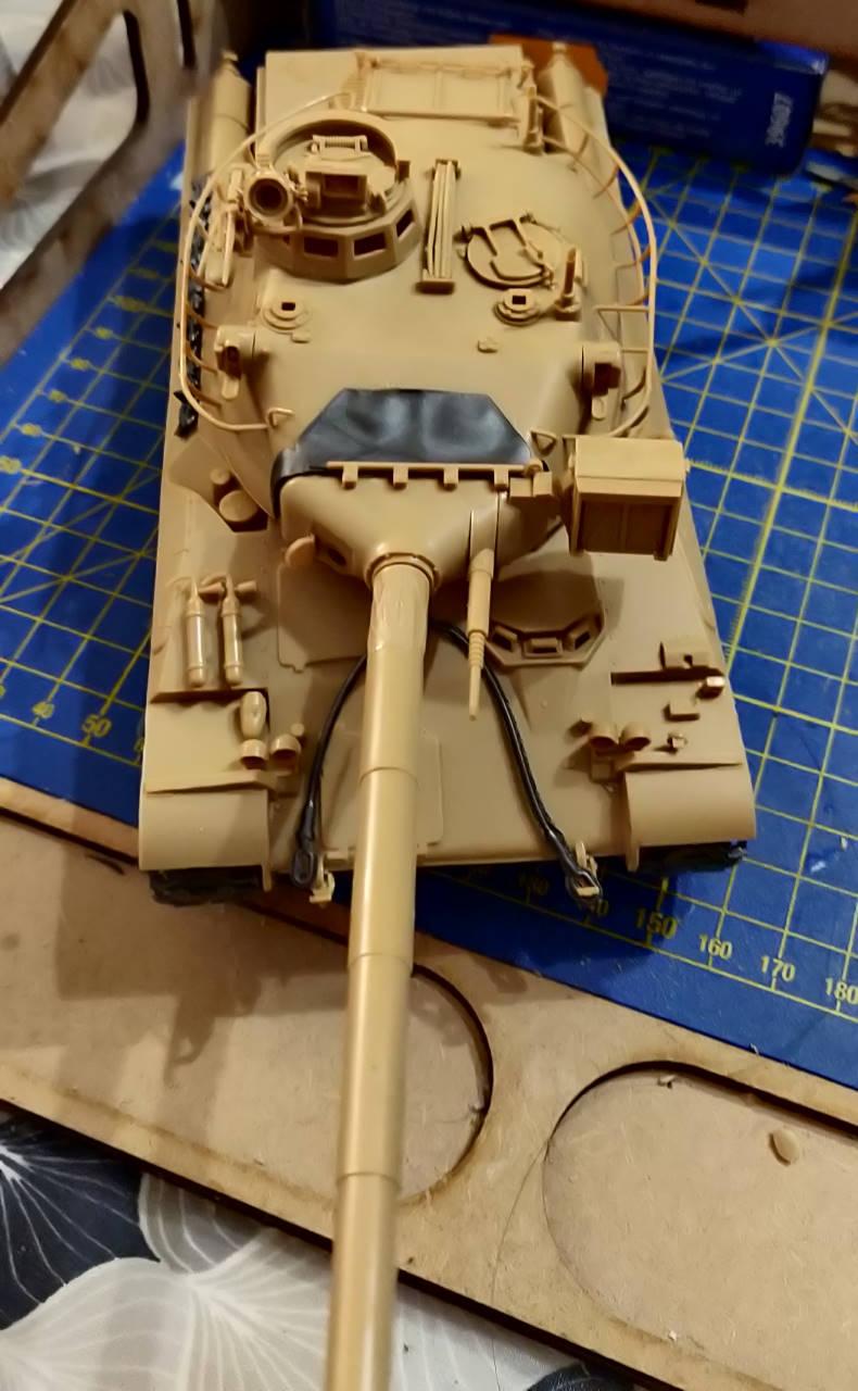 [Montage] AMX-30/105 Heller 1/35 Img_2108