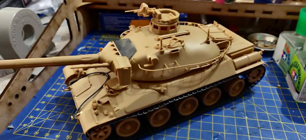 [Montage] AMX-30/105 Heller 1/35 Img_2109