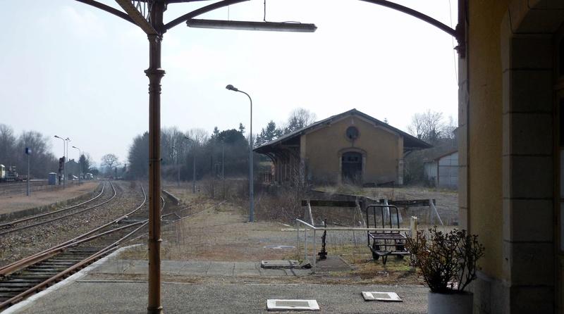 De Lapeyrouse à Volvic, la ligne des Combrailles. - Page 29 85663010
