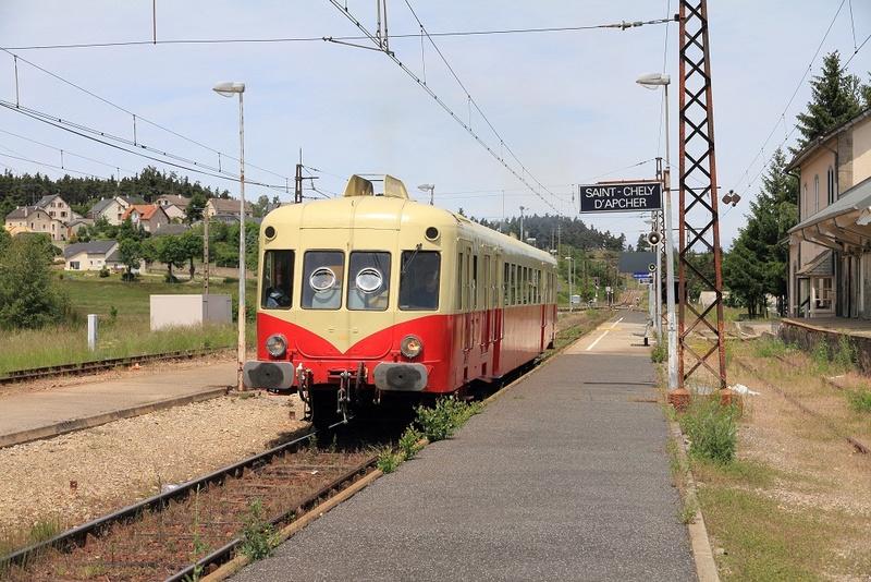 Autorails X 2400 (Hors Bretagne et Pays de la Loire) Gare_d10