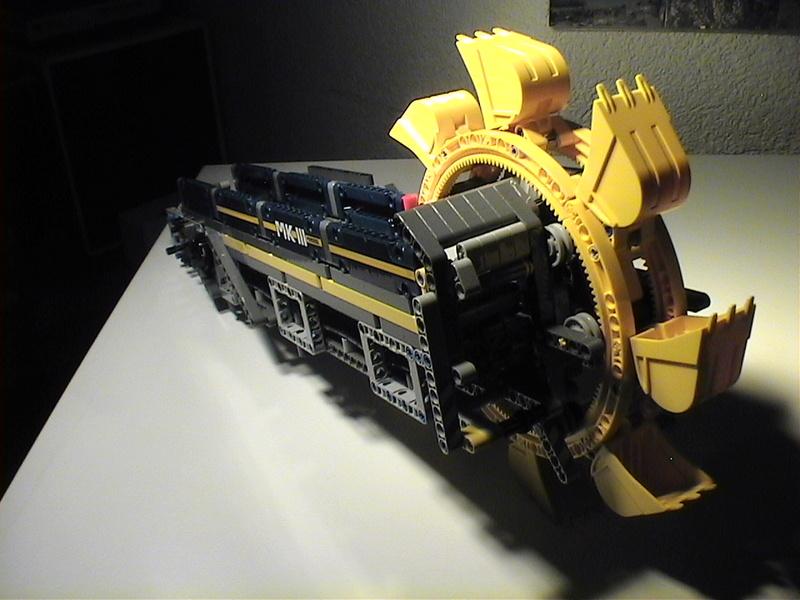 Der Schaufelradbagger von LEGO-Technik gebaut von Alo  Dvc04525