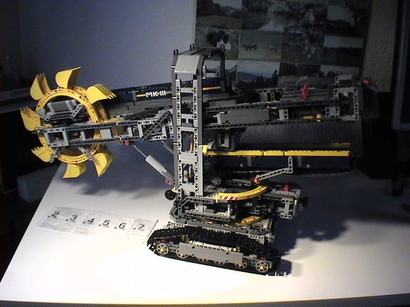 Der Schaufelradbagger von LEGO-Technik gebaut von Alo  Dvc04532
