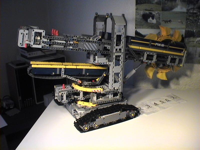 Der Schaufelradbagger von LEGO-Technik gebaut von Alo  Dvc04535