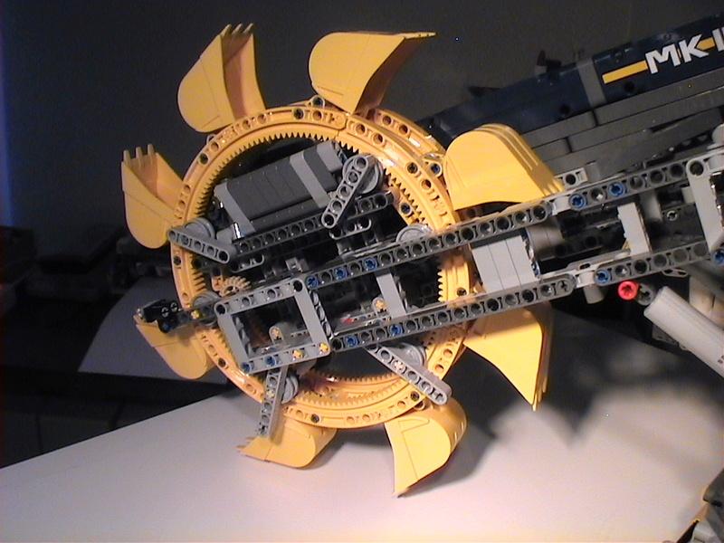 Der Schaufelradbagger von LEGO-Technik gebaut von Alo  Dvc04539