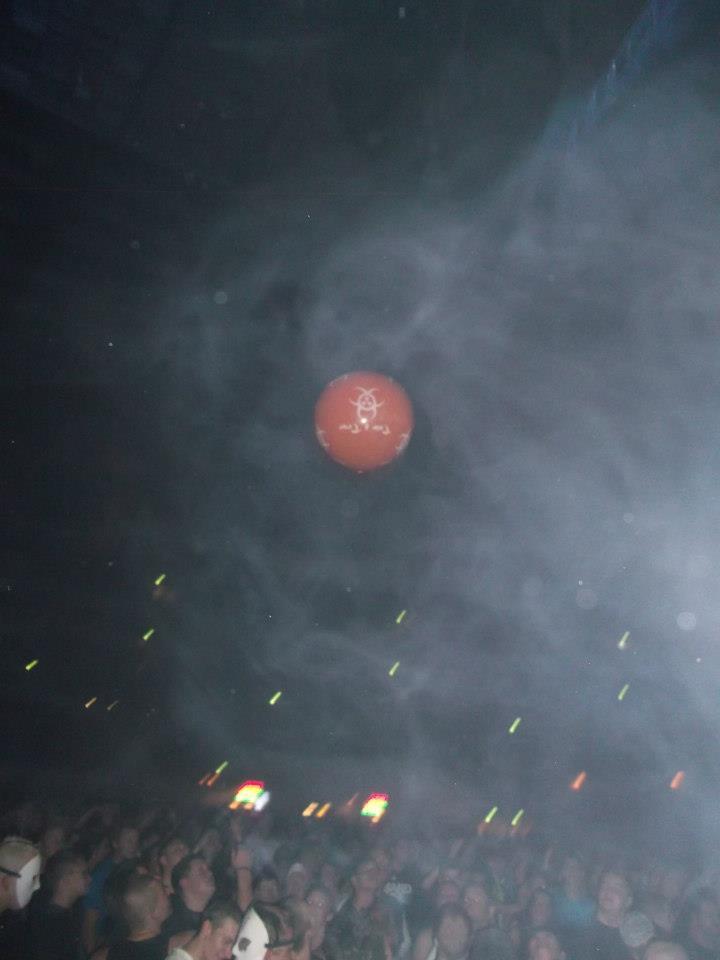 Lancer de ballons Trip & Teuf pendant les events - Page 3 39840710