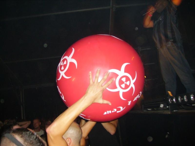 Lancer de ballons Trip & Teuf pendant les events - Page 3 Imgp0010