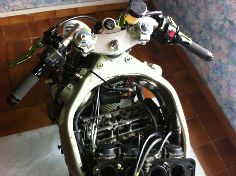 Ma 1ère Moto Piste. Zx6R-99 EN mode préparation Img_0811