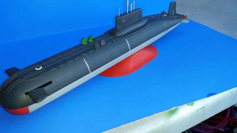 Soviet Submarine Typhoon Class von Revell in 1:400 55911