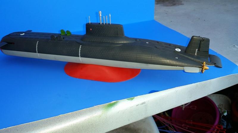 Soviet Submarine Typhoon Class von Revell in 1:400 56011