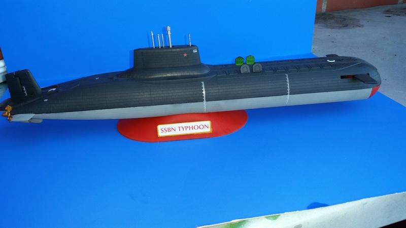 Soviet Submarine Typhoon Class von Revell in 1:400 56213