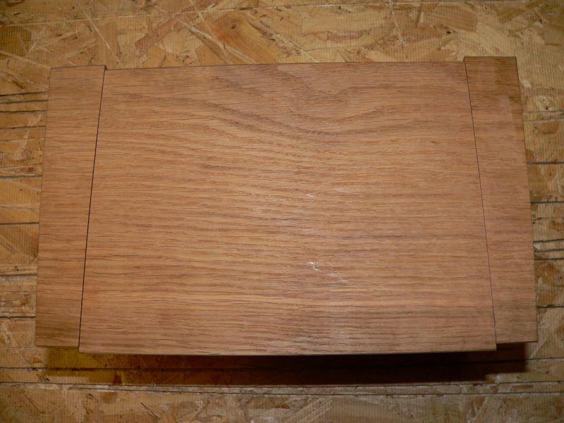 Boite en chêne et premières queues d'arondes Aim12r10