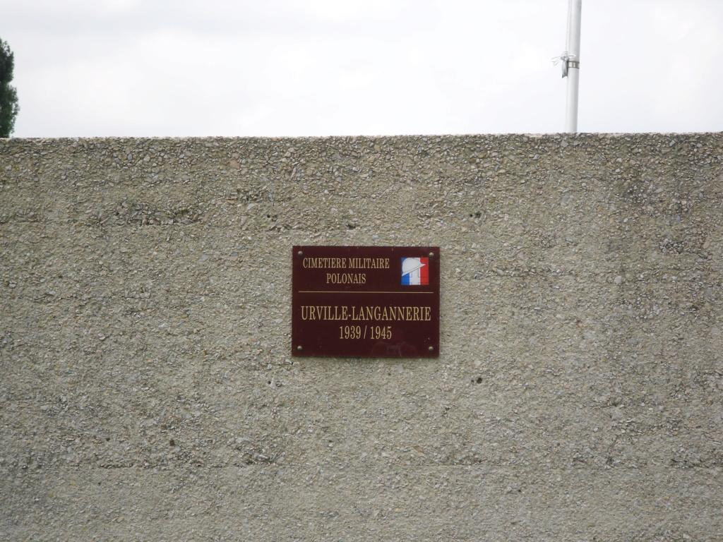 [ Histoires et histoire ] LES CIMETIÈRES MILITAIRES FRANCAIS 00512