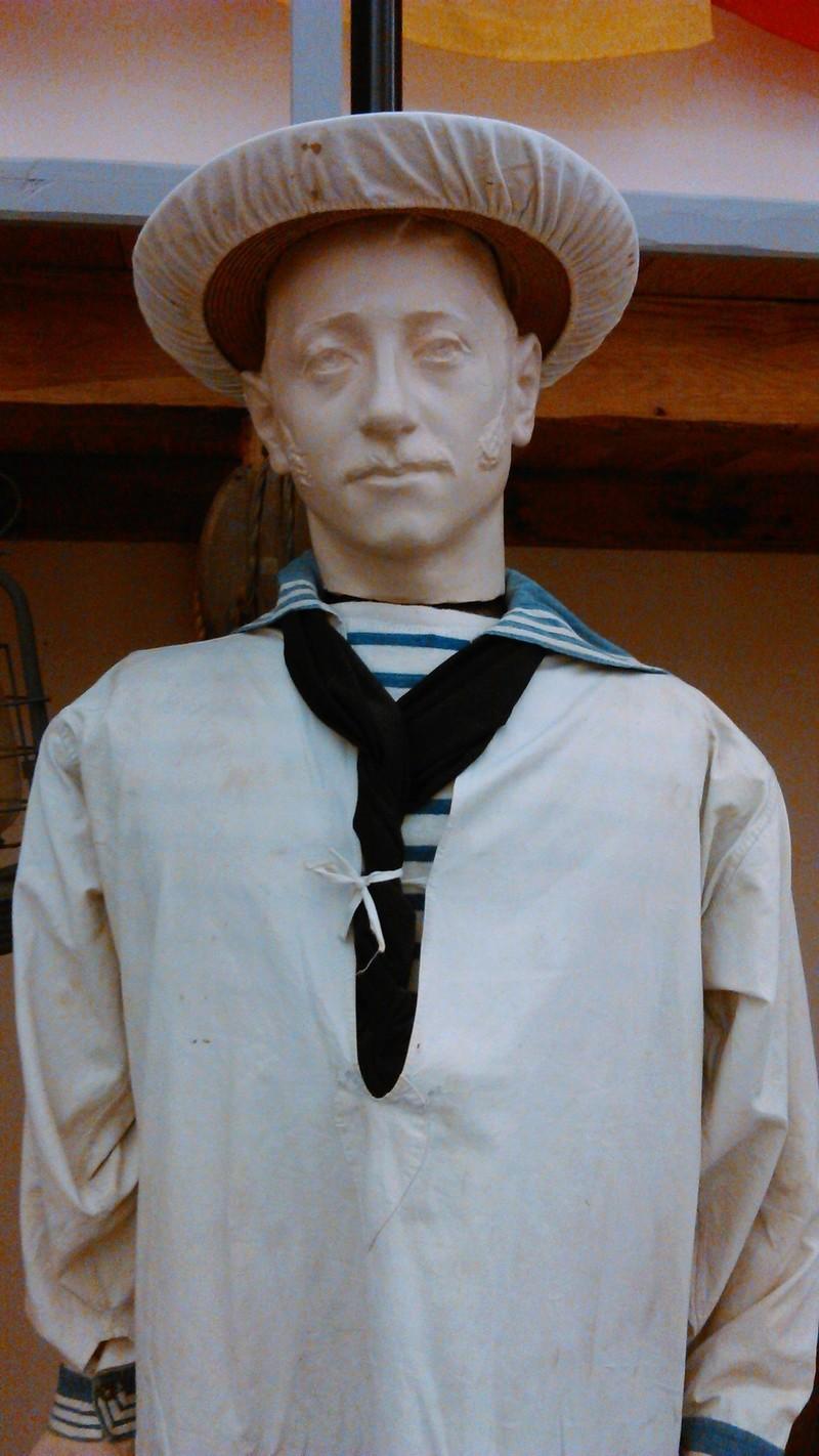 [ Les musées en rapport avec la Marine ] Conservatoire des tenues à Toulon - Page 4 04210