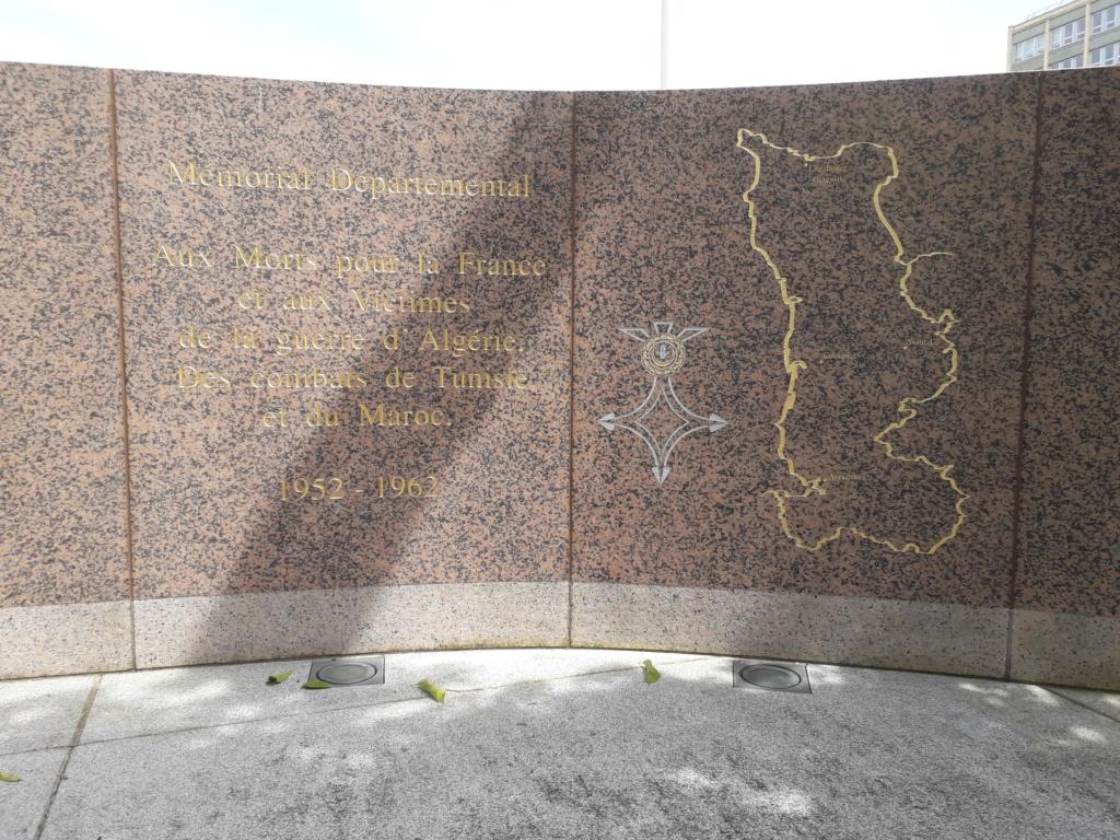 [ Histoires et histoire ] Monuments aux morts originaux Français Tome 2 - Page 8 04611