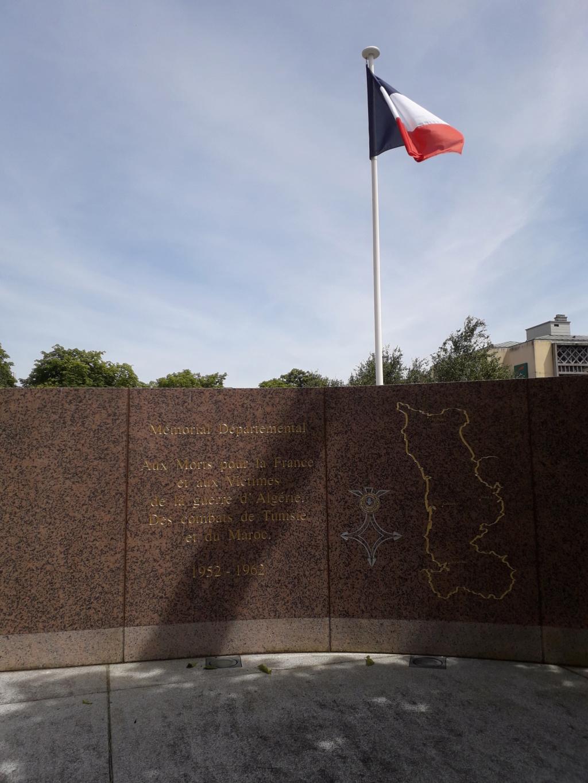 [ Histoires et histoire ] Monuments aux morts originaux Français Tome 2 - Page 8 04711