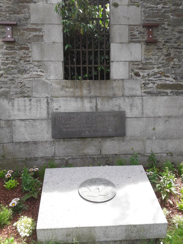 [ Histoires et histoire ] Monuments aux morts originaux Français Tome 2 - Page 8 05810