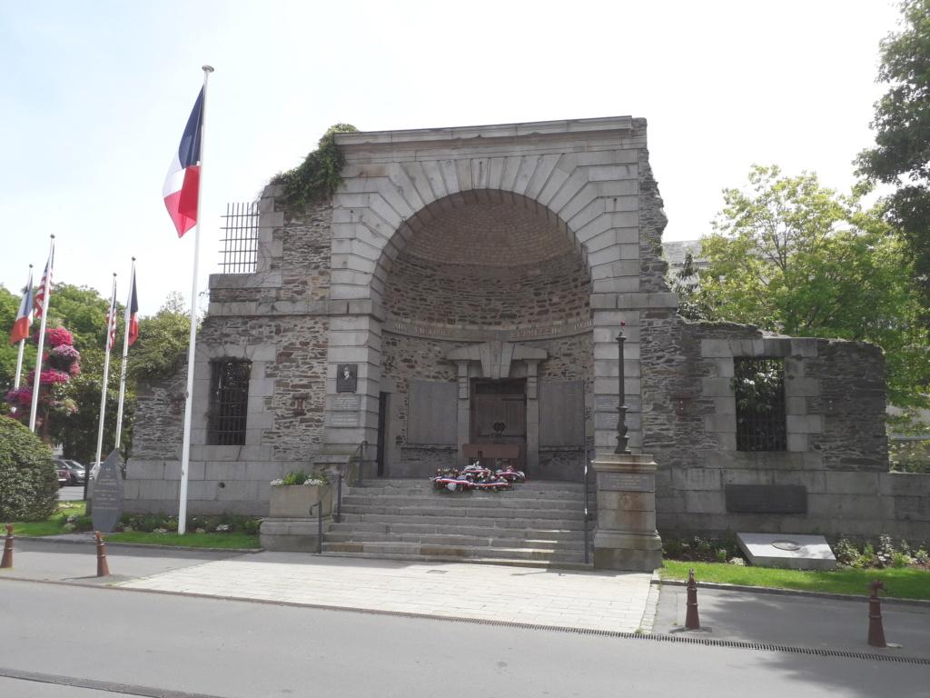 [ Histoires et histoire ] Monuments aux morts originaux Français Tome 2 - Page 8 05910