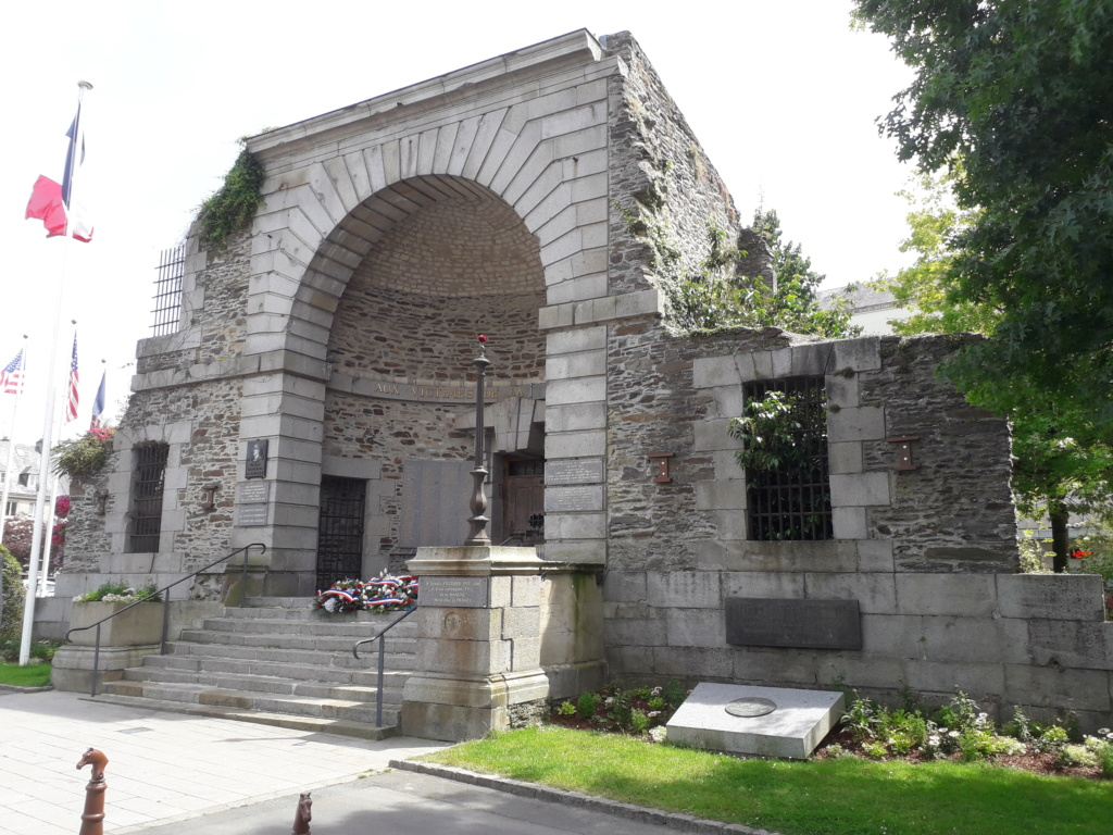 [ Histoires et histoire ] Monuments aux morts originaux Français Tome 2 - Page 8 06010