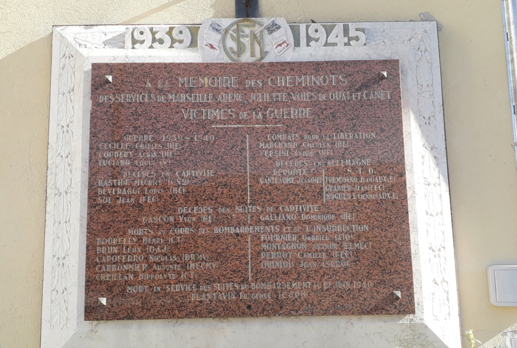 [Histoires et Histoire] Monuments aux morts originaux Français Tome 2 - Page 10 09313