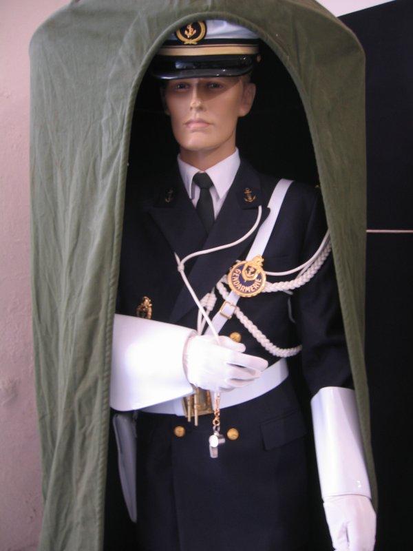 [ Les musées en rapport avec la Marine ] Conservatoire des tenues à Toulon - Page 3 29228610