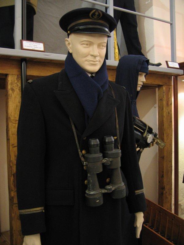 [ Les musées en rapport avec la Marine ] Conservatoire des tenues à Toulon - Page 3 29329810