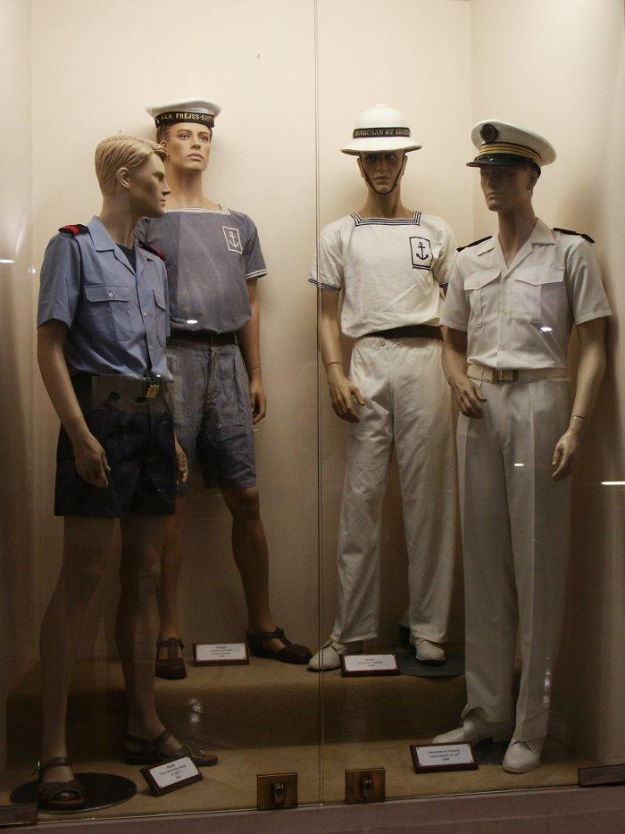 [ Les musées en rapport avec la Marine ] Conservatoire des tenues à Toulon - Page 3 29763510