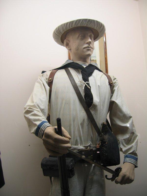 [ Les musées en rapport avec la Marine ] Conservatoire des tenues à Toulon - Page 3 29826210