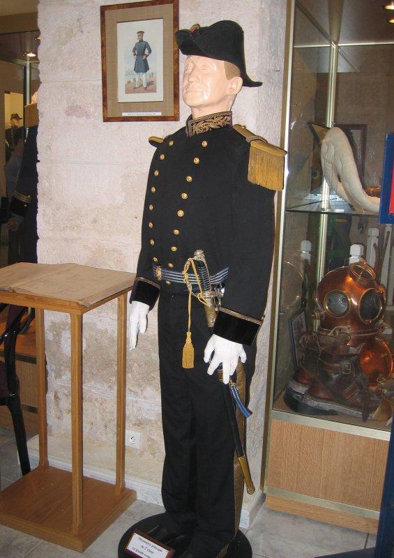 [ Les musées en rapport avec la Marine ] Conservatoire des tenues à Toulon - Page 3 29908810