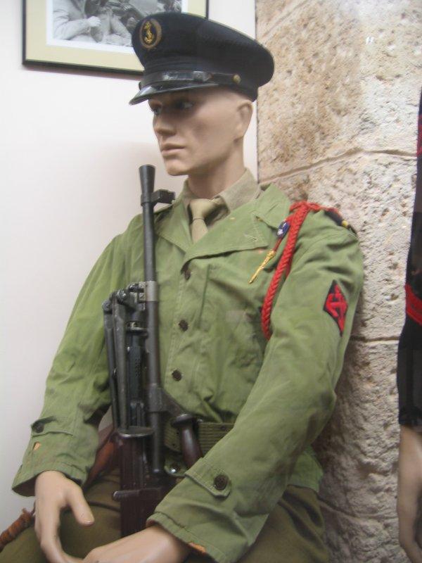 [ Les musées en rapport avec la Marine ] Conservatoire des tenues à Toulon - Page 3 30017410